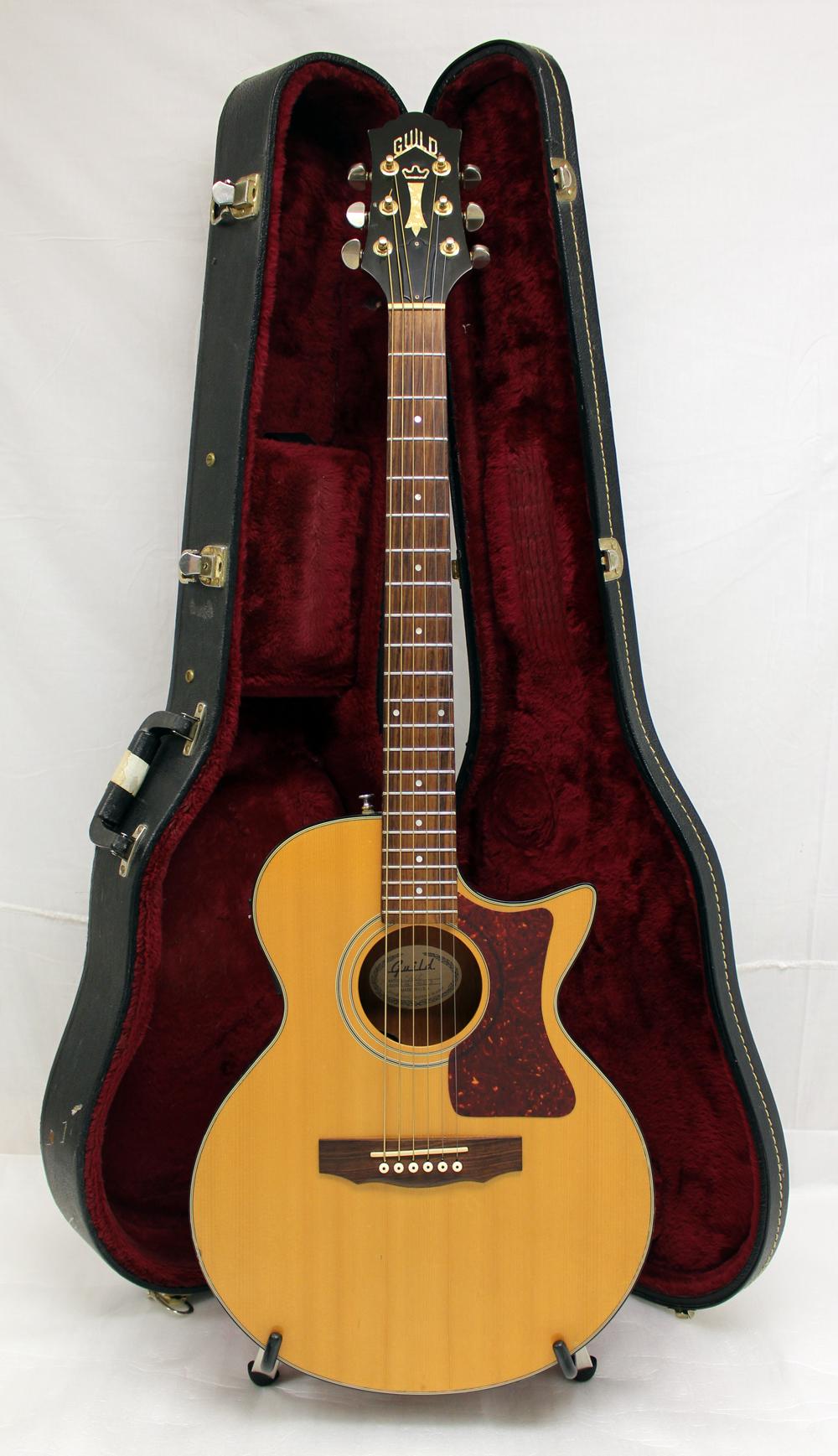 used guild s4ce songbird acoustic electric guitar w guild case gc. Black Bedroom Furniture Sets. Home Design Ideas