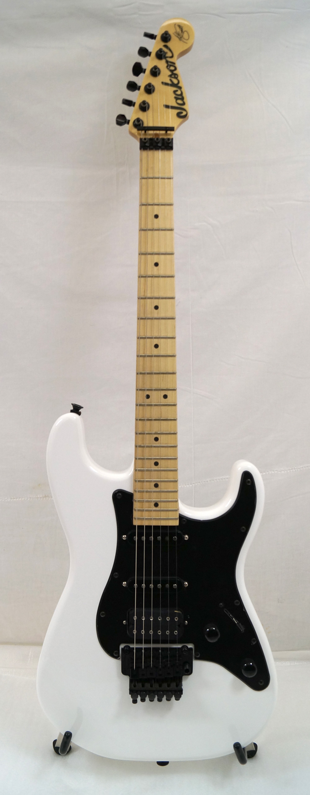 new jackson adrian smith electric guitar artist signature series snow white. Black Bedroom Furniture Sets. Home Design Ideas